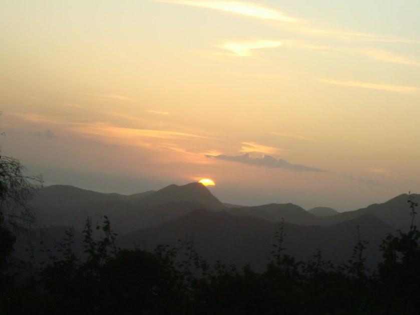 Cuán hermosos son sobre los montes los pies del que trae alegres nuevas